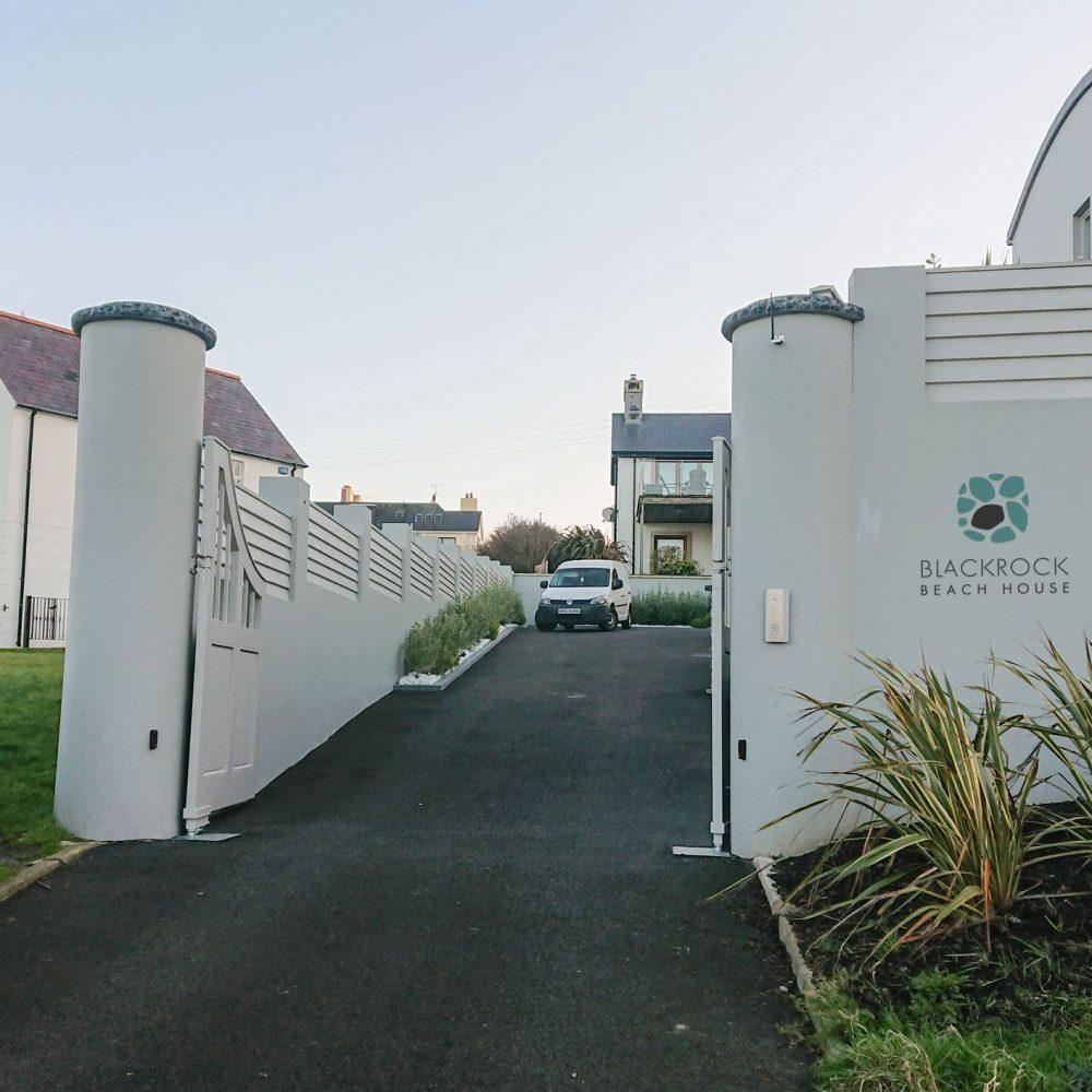Gate04